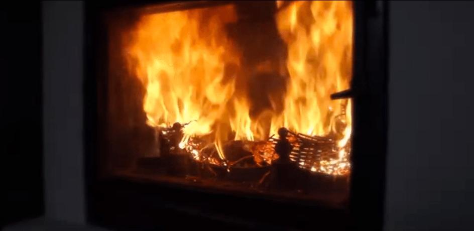 The Fireplace at Côté Luberon 1